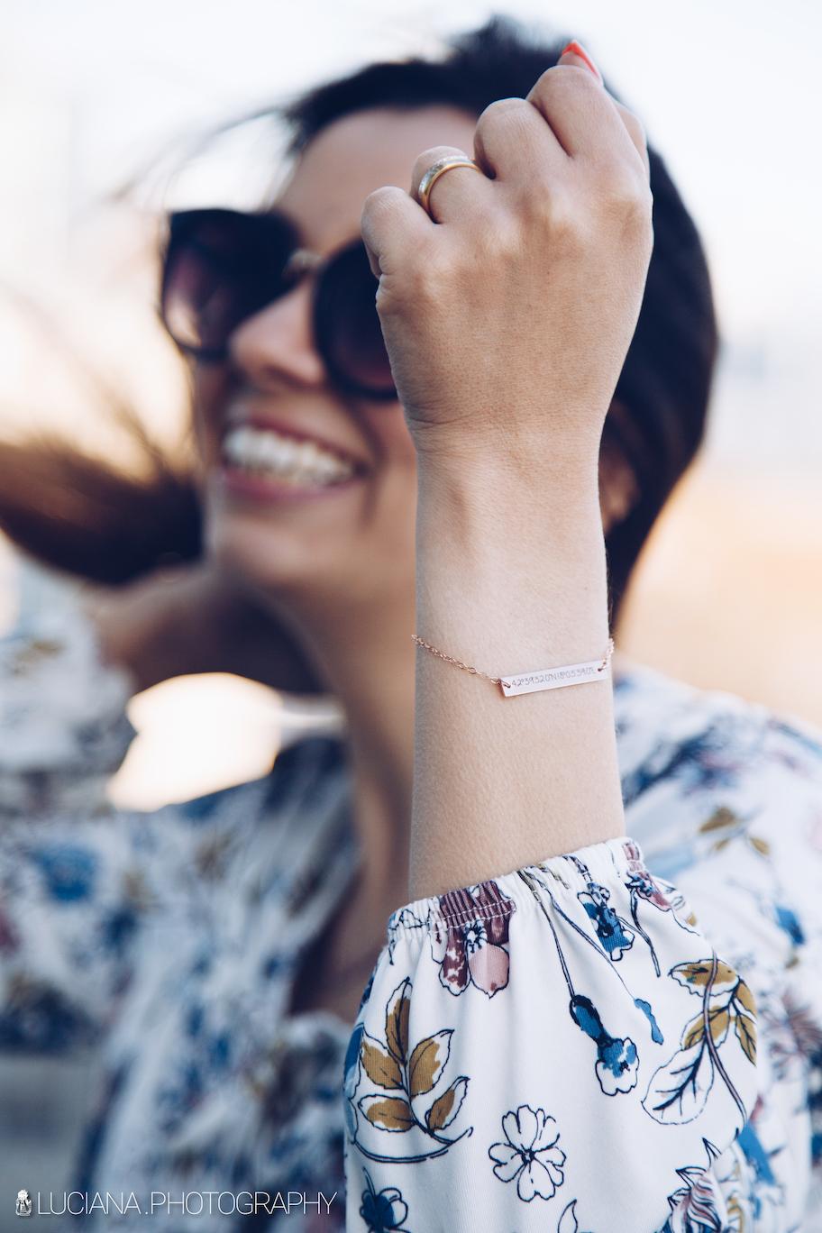 Uma pulseira para lembrar onde ficamos noivos