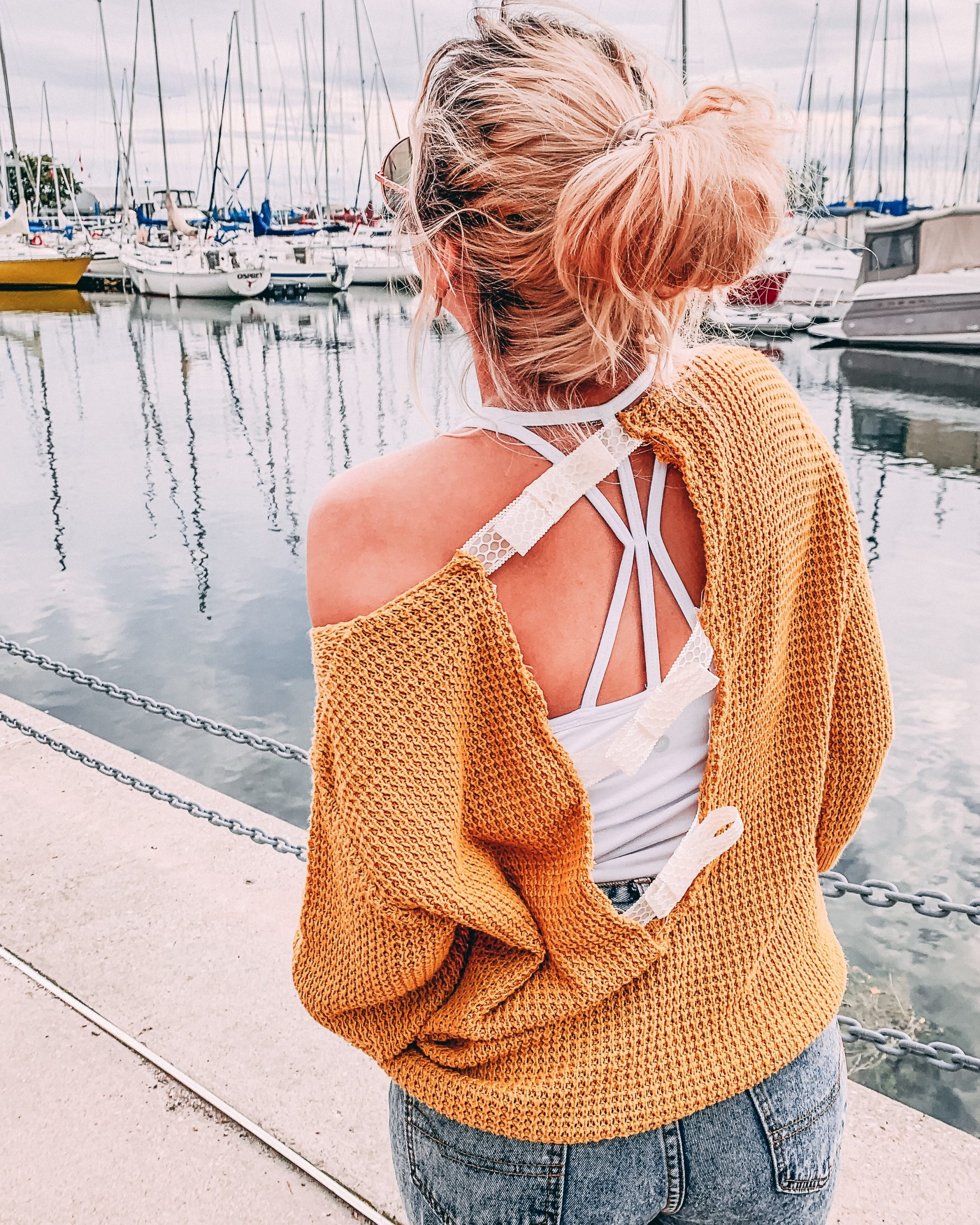 DIY open back fall sweater LUCIANA COUTO